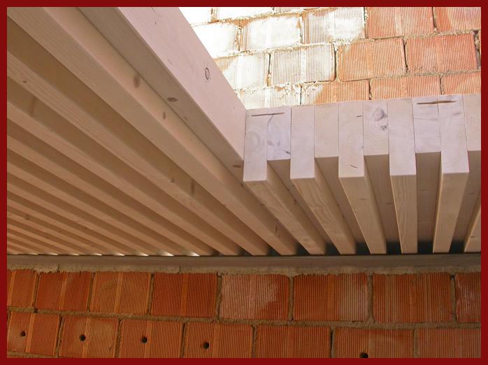 elevazione tetto mansarda : Foro scala di un solaio a Greca
