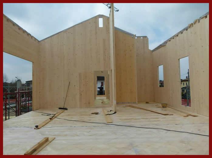 Legnolego pareti e corree in legno xlam for Case in legno xlam